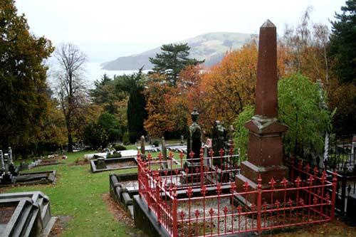 obelisk marking the grave of François and Justine Le Lievre, Akaroa Cemetery, New Zealand @teara. govt. nz