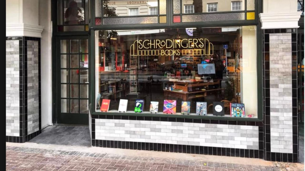 Bookstore in Petone, New Zealand @newsroom