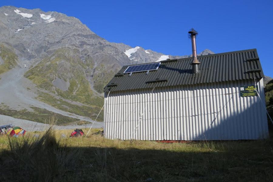 Eade Memorial Hut, New Zealand @deerstalkerssc