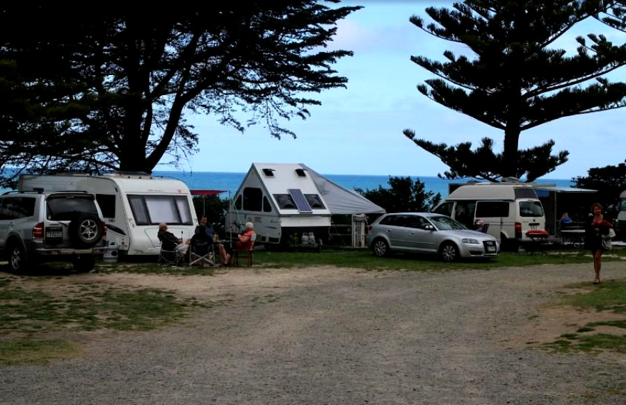 Gore Bay & Buxton Camp Grounds, New Zealand @Auckland i-SITE