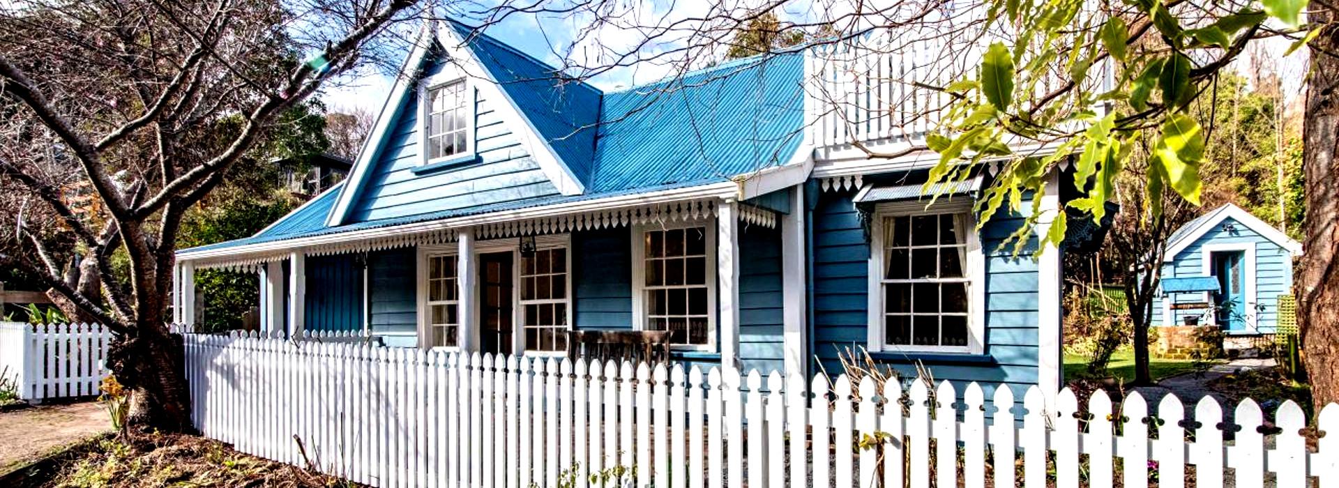 Historic cottage, Akaroa @Bayleys