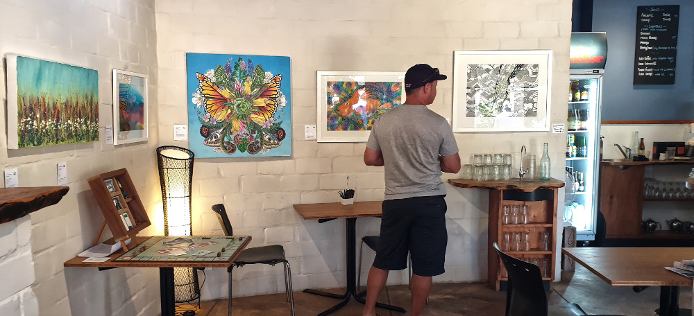 Hotties Beach Cafe art exhibition, New Zealand