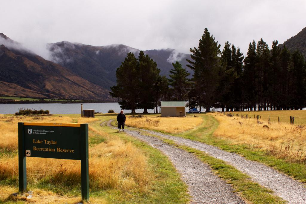 Lake Taylor DOC campsite, New Zealand @Spaceships Travel