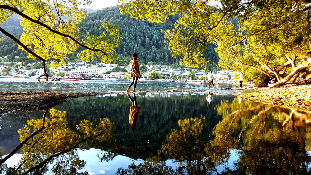 Late summer lakeside walks, New Zealand