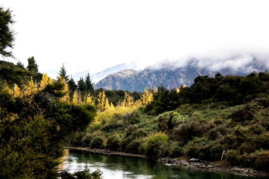 Outlet Track, Hawea, New Zealand @blogkinisi