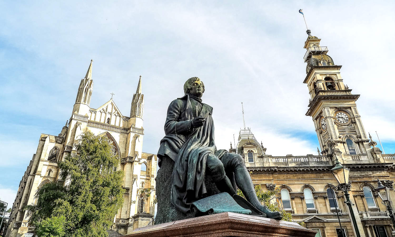 Robert Burns statue, Dunedin Town Hall and St. Paul's Cathedral