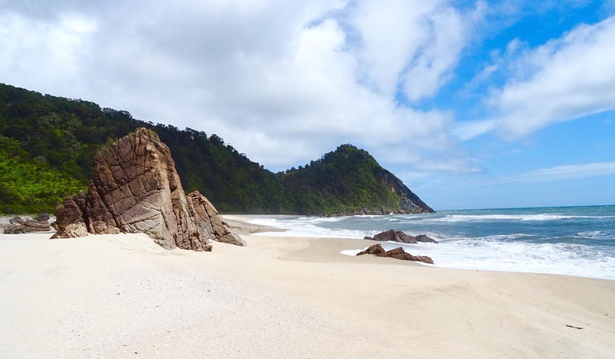 Scotts Beach, New Zealand @Travel Notes
