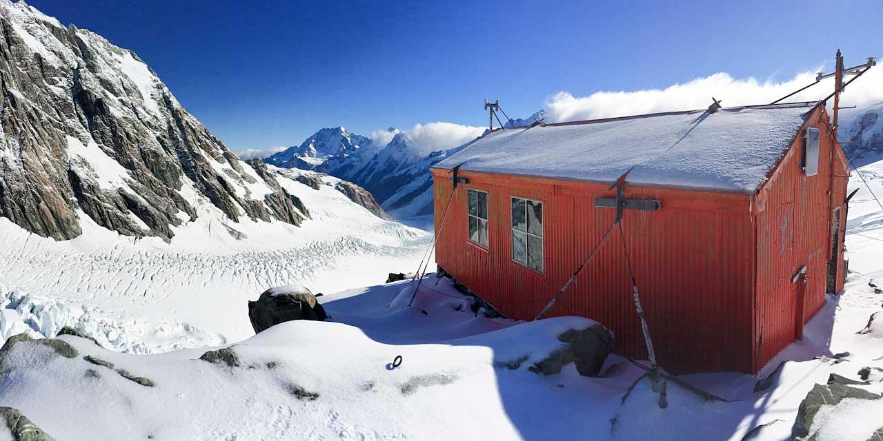 Tasman Saddle Hut, New Zealand @Elke Braun-Elwet