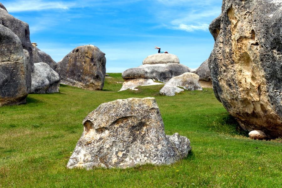 Vanished World fossil trail to Elephant rocks on North Otago