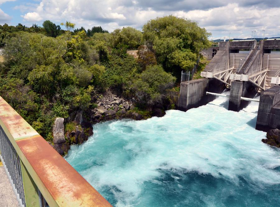 Arataitai Dam sluice gates opened