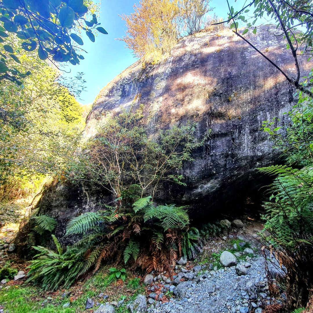 Londonderry Rock,New Zealand @kelseyclaire_