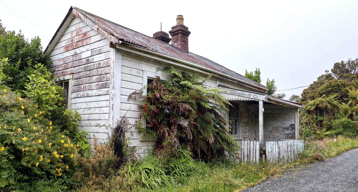 Millerton visitor centre, now semi-abandoned,New Zealand