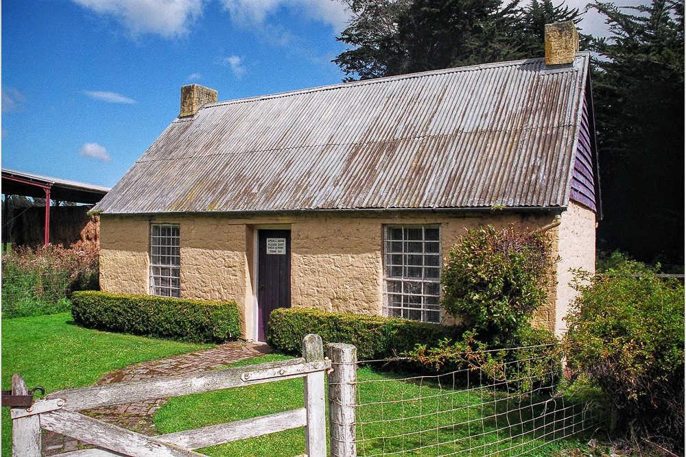 Sod Cottage @NZPlaces