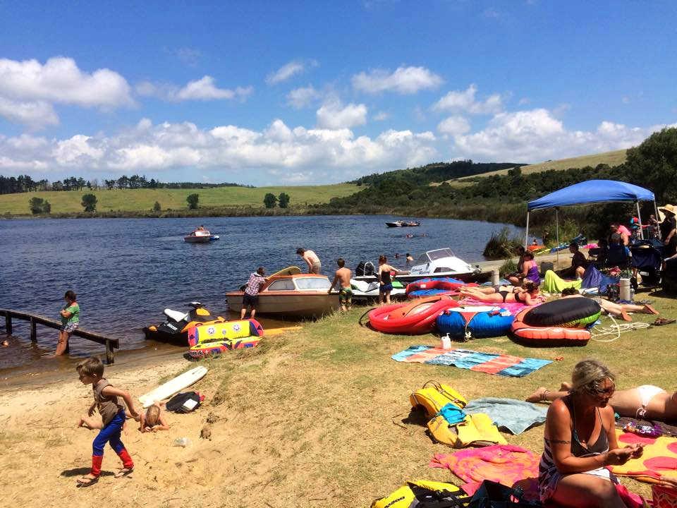 Tomarata Lake, Auckland, New Zealand @Imgur