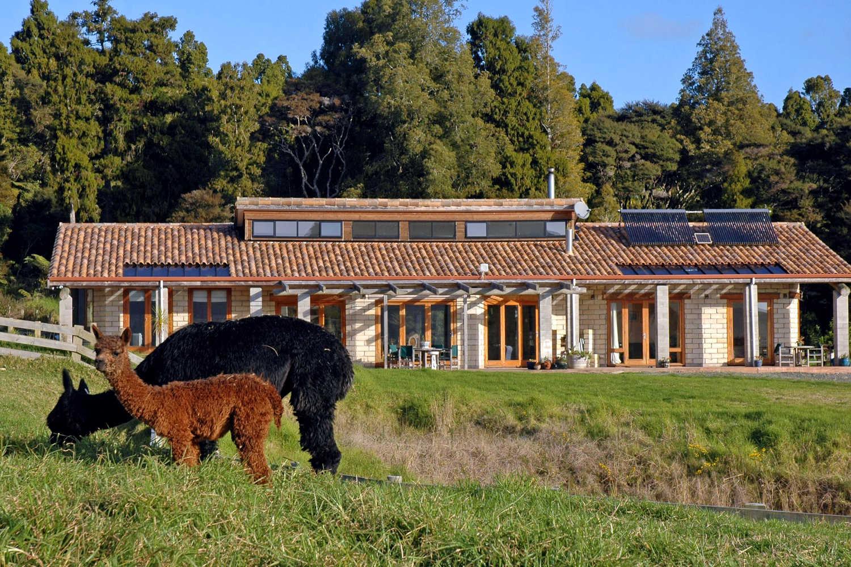 Kandiah Alpacas & Farmstay @alpacafarmstay