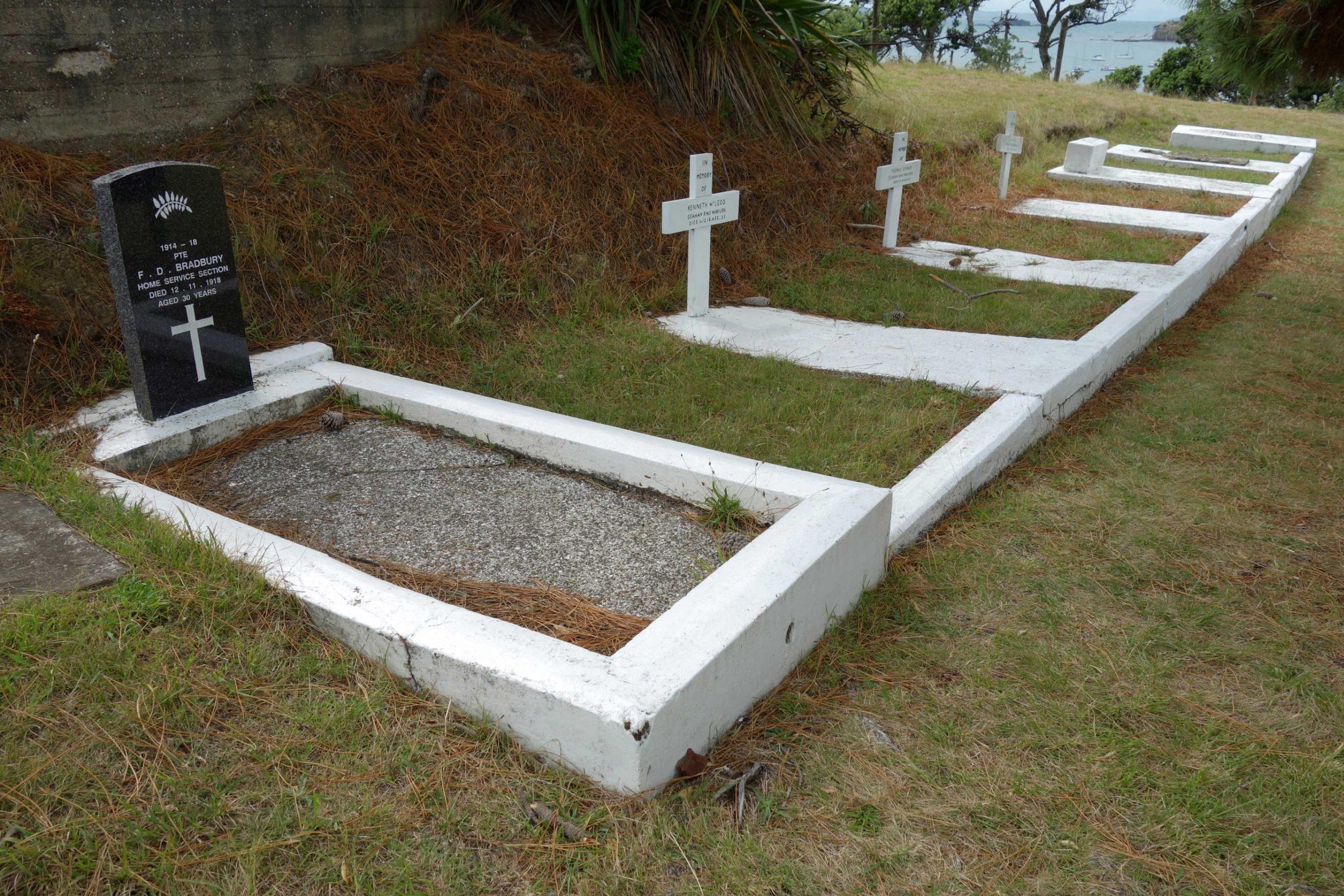 Motuihe Cemetery @Jontynz
