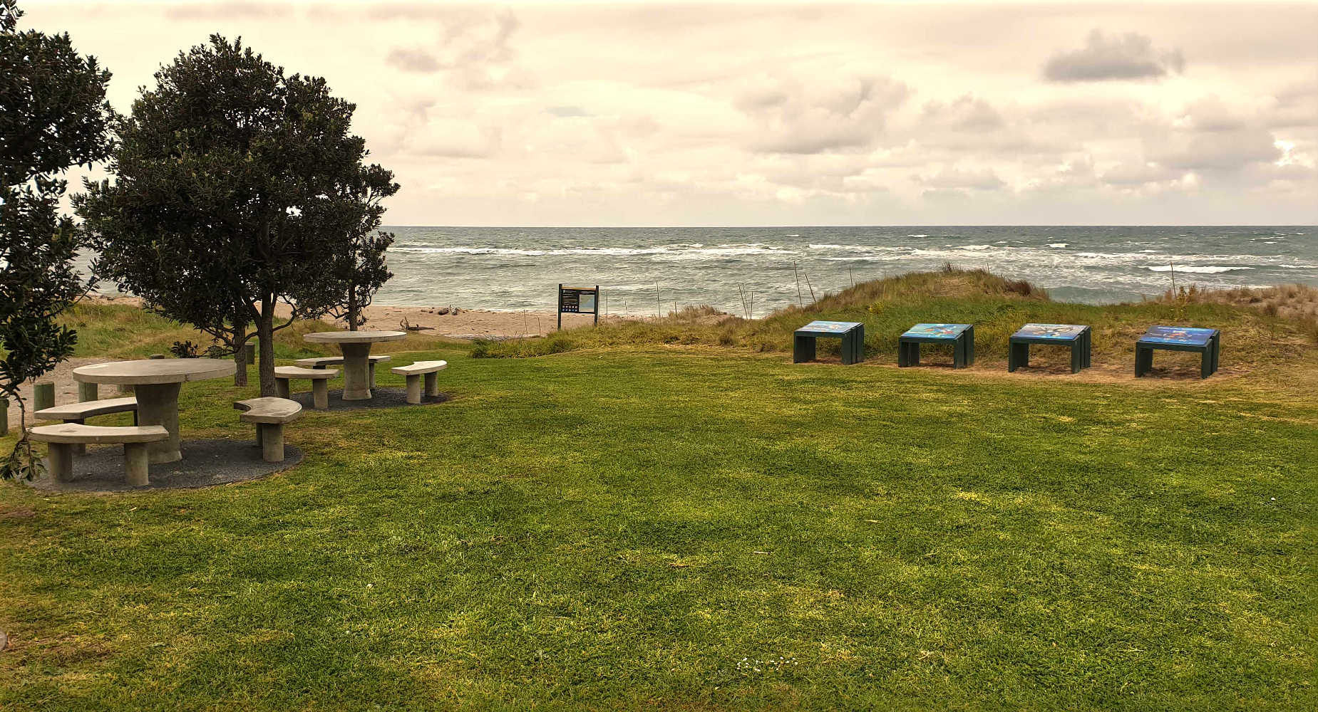 Rongokako Marine Reserve picnic area,New Zealand