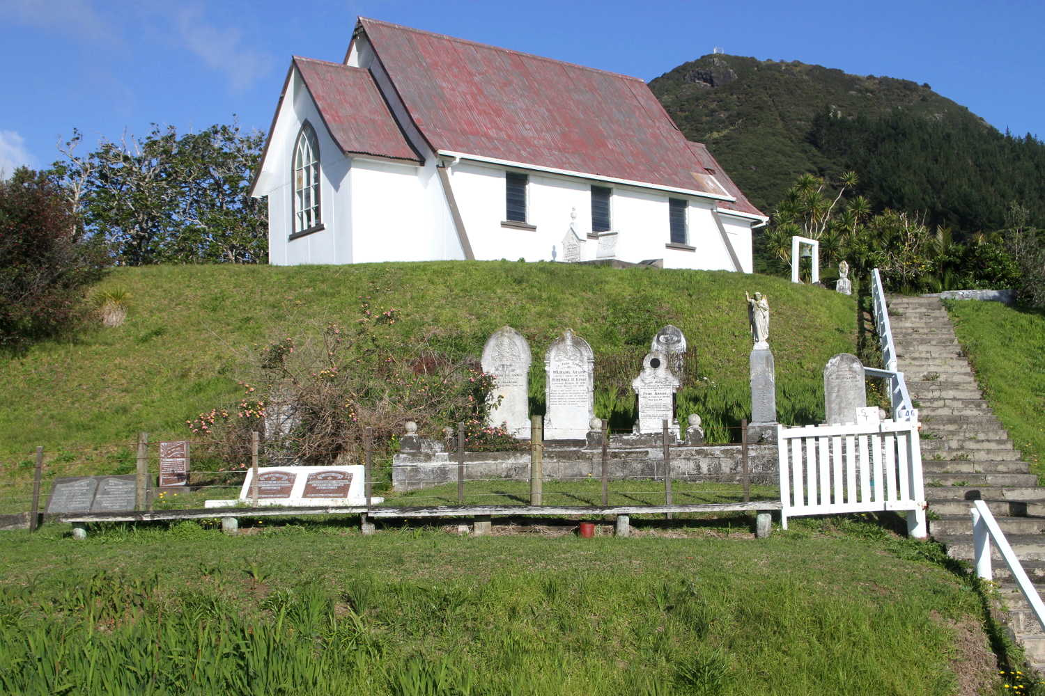 St Clements church and historic Maori cemetery @NZ Herald